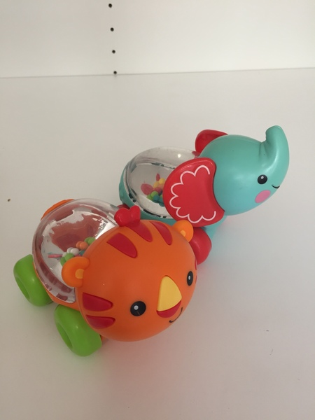 BBY037: Elephant & Tiger Rattles On Wheels - set of 2