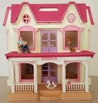 144: Classic Dollhouse