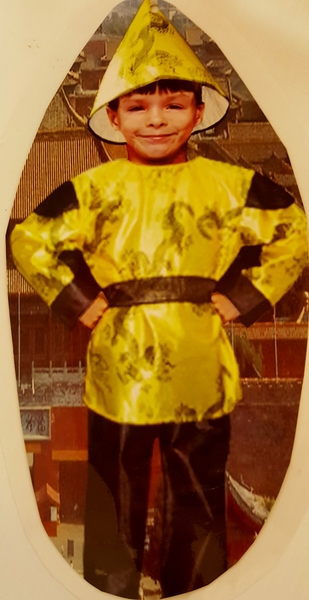 512: CHINESE TRADITIONAL BOY COSTUME