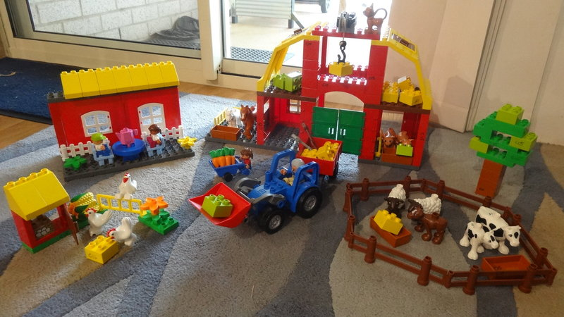C15: Lego Farm Set