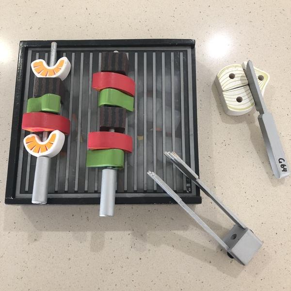G64: BBQ Grill Set