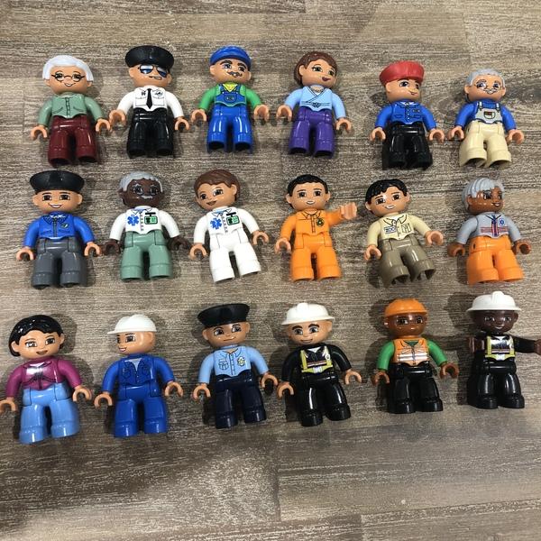 C35: Lego - people