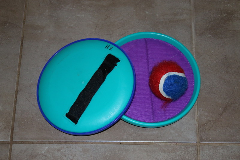 H2: Velcro Ball Catch Set