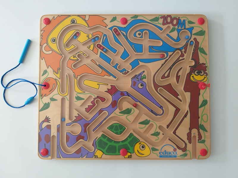 PG90: Magnetic Marble Wooden Maze