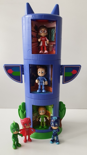 IMG63: PJ Masks All In One Transforming Playset