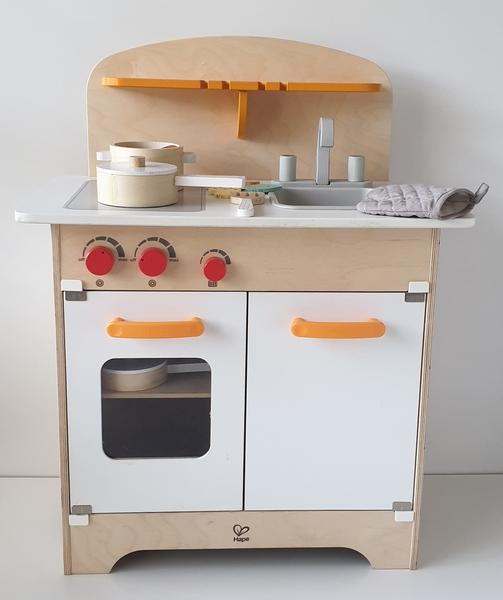 RP76: Hape Kitchen