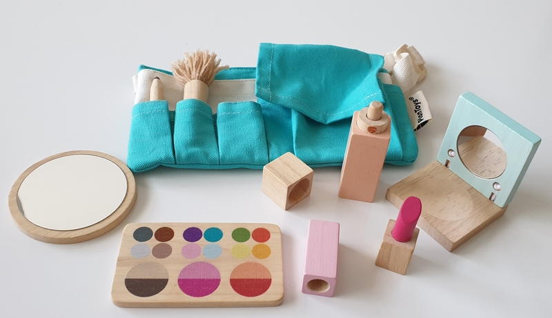 RP81: Makeup Set