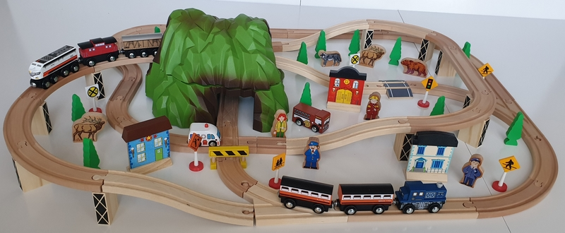 VT60: Mountain Pass Train Set