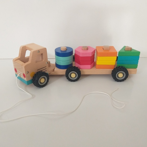 B105: Wooden Stacking Truck