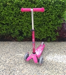 R33: Micro Mini Deluxe Scooter (Pink)