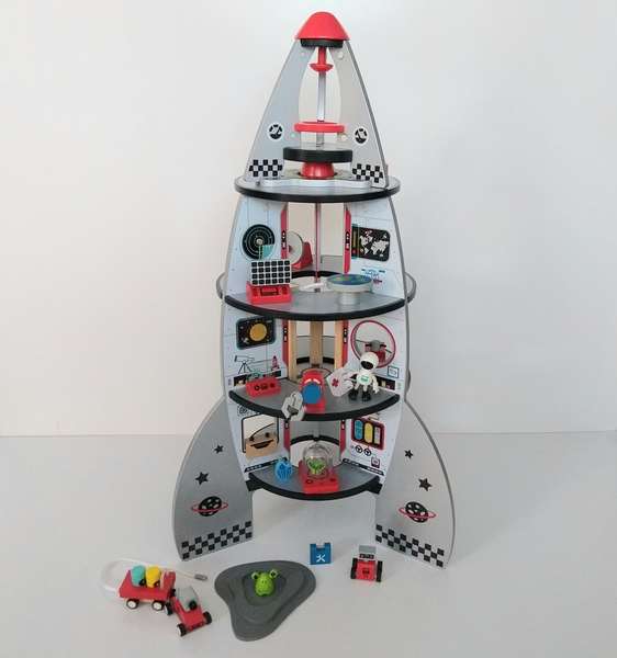 IMG141: Four-Stage Rocket Ship