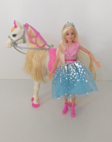 IMG146: Barbie Princess and Horse