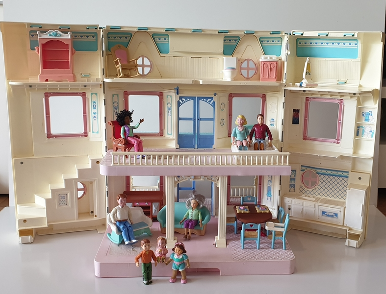 IMG53: Dream Dollhouse
