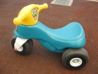 R030: Ride-on Motorbike