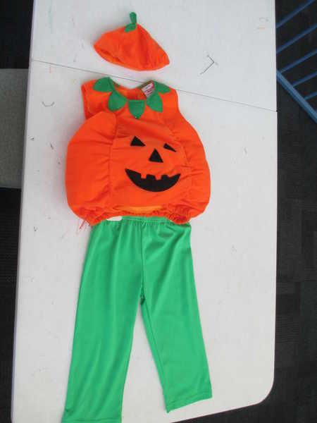 D18: Pumpkin Outfit