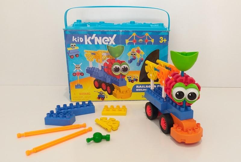 C18: K'Nex Railroad Pals Building Set