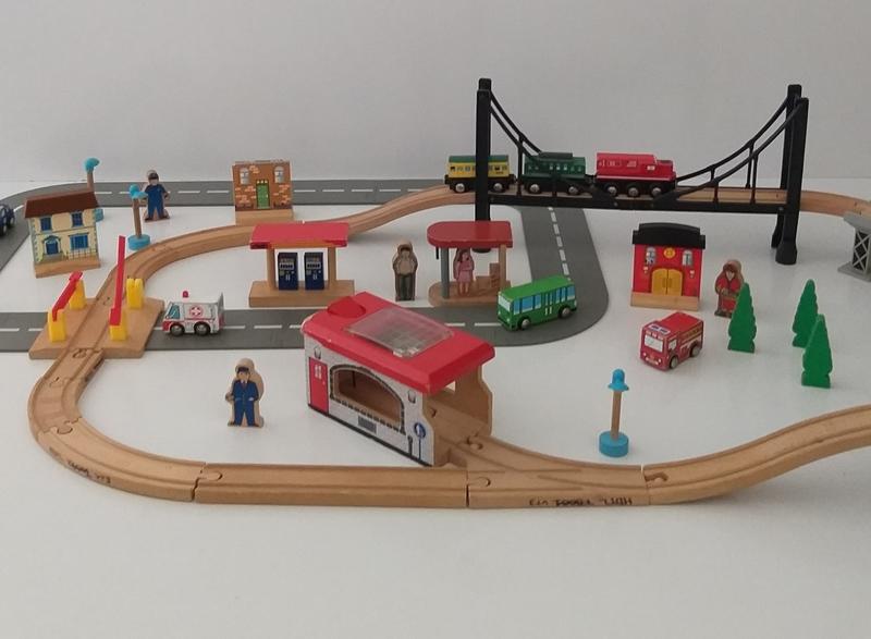 VT3: Road and Rail Train Set