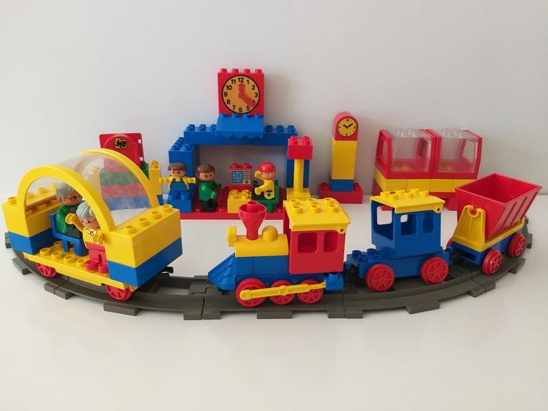 C28: Duplo Train Set