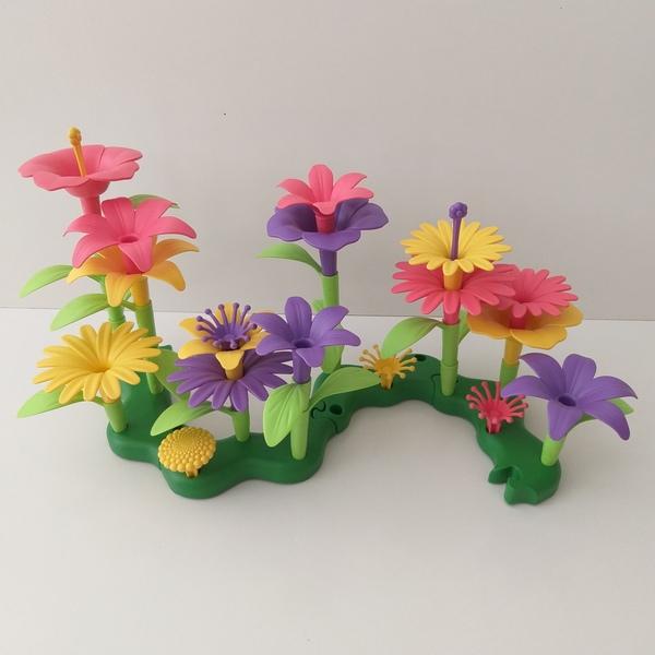 C63: Build-a-Bouquet Floral Arrangement