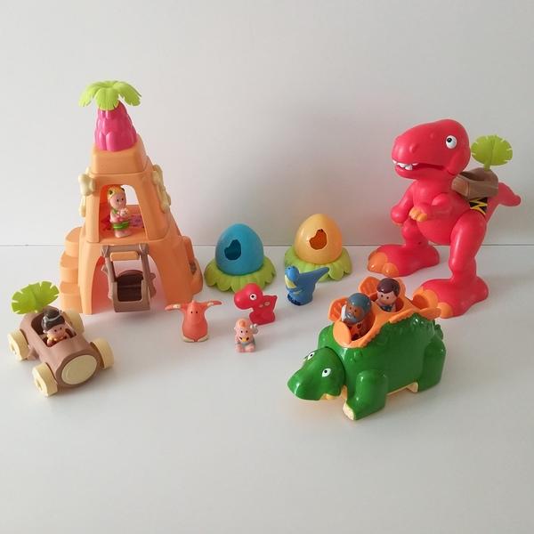 IMG93: Dino Playset