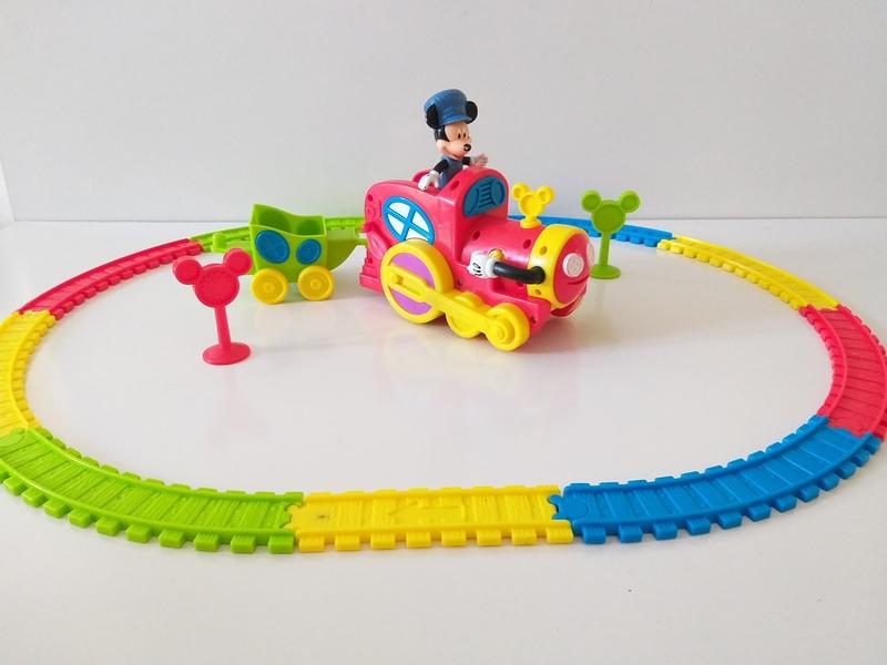 VT16: Mickey's Magic Choo Choo