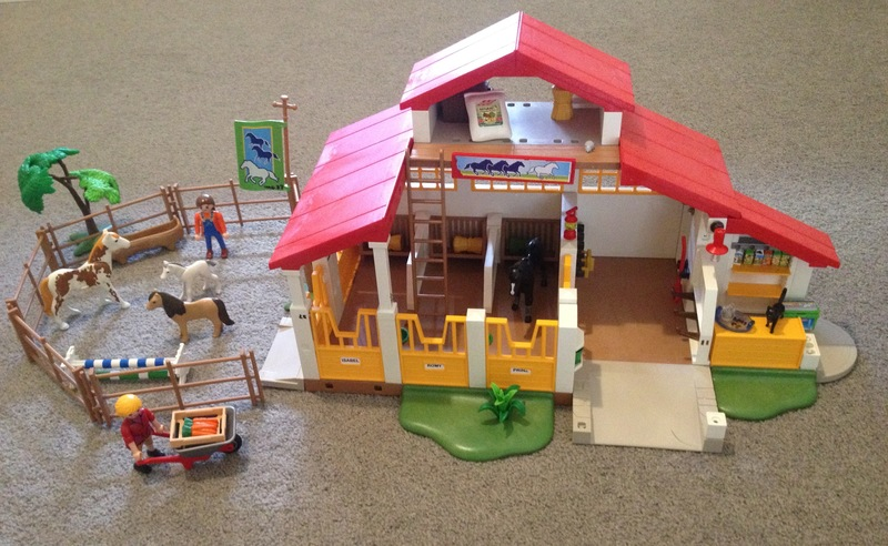 IMG37: Playmobil 4190 Horse Stables