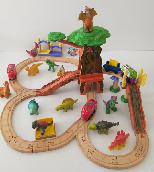VT19: Chuggington Dino Adventure Set