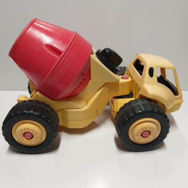 VT59: Cement Mixer