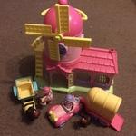 E443: Happyland Windmill Stable