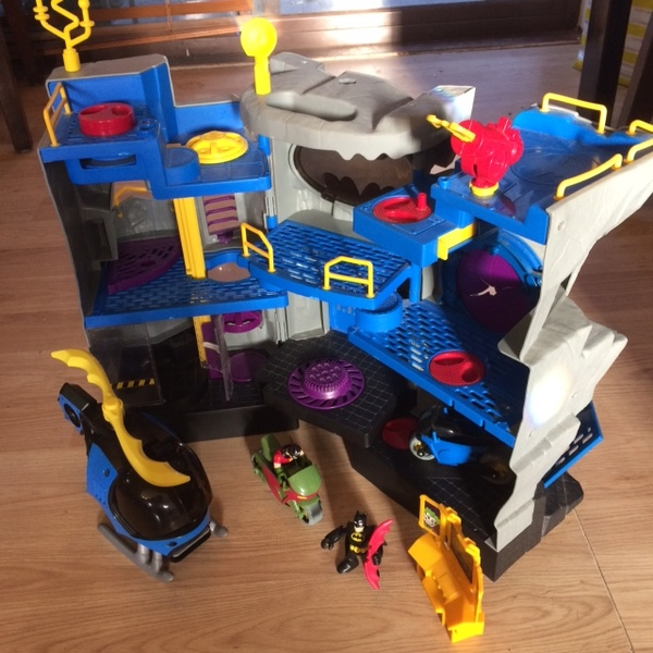 E464: Imaginext Big Batcave Set 2