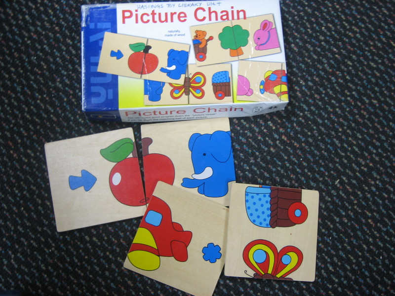 D164: Picture Chain