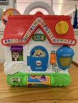 KDT10810: Laugh & Learn Puppy's Busy Activity Home