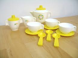 289: Fisher Price - Vintage Tea Set