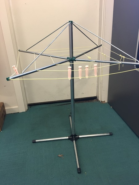 1024: Washing Line and Pegs