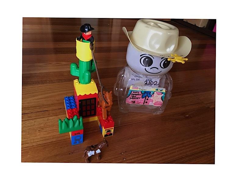 2102: Duplo Cowboy Set