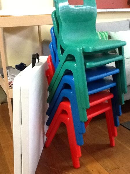 4086: Chairs & Table Half Set 1