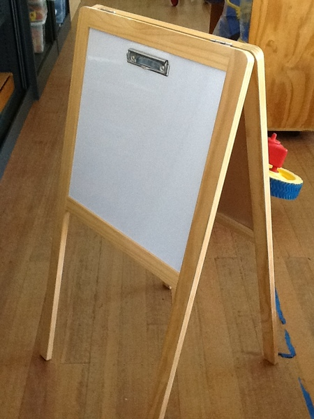 4115: Fold Out Easel