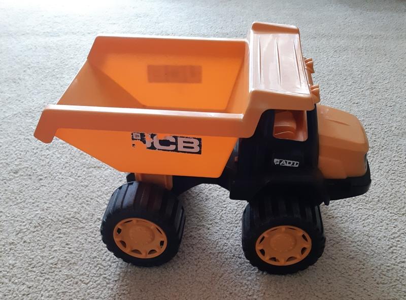 G17: Tip Truck