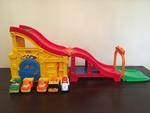 E6: Little People Wheelies Rev 'n Sounds Race Track