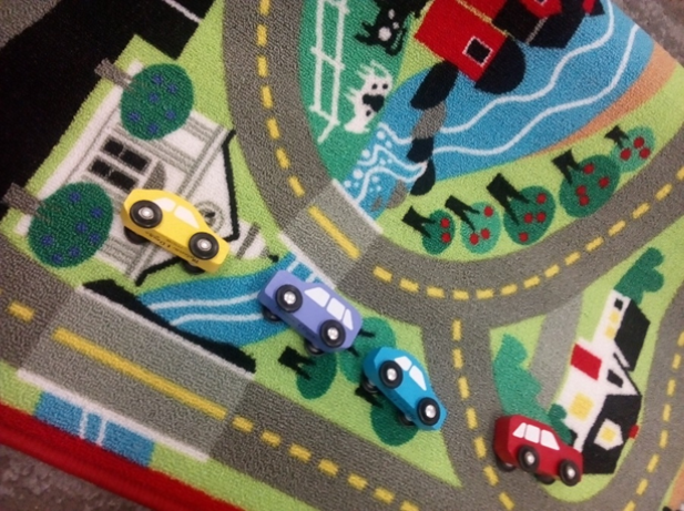 D034: Road Rug with 4 cars
