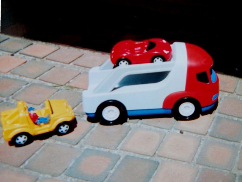 E561: L/T Sports Car Carrier