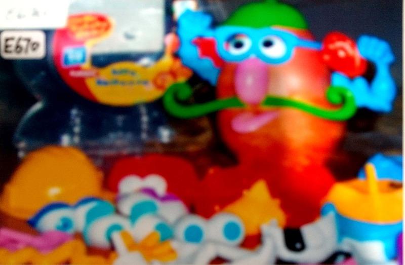 E670: Mr Potato Head Silly Suitcase