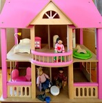 E771: Wooden Doll House PC