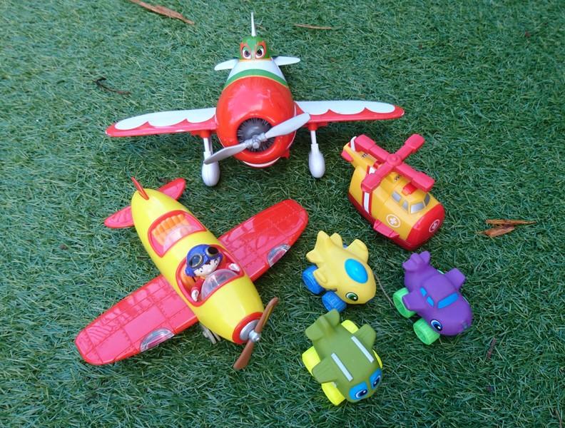 E1428: Box of Planes