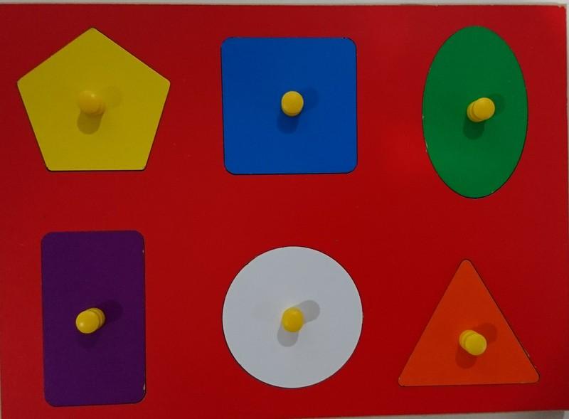 PZ131: Shapes Puzzle