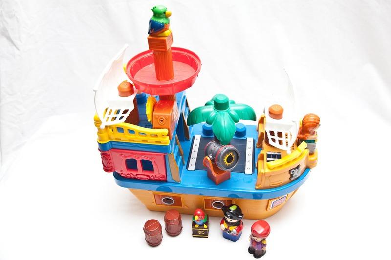 1005: Mega Bloks Pirate Ship