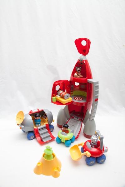 1008: HappyLand Lift Off Rocket Set