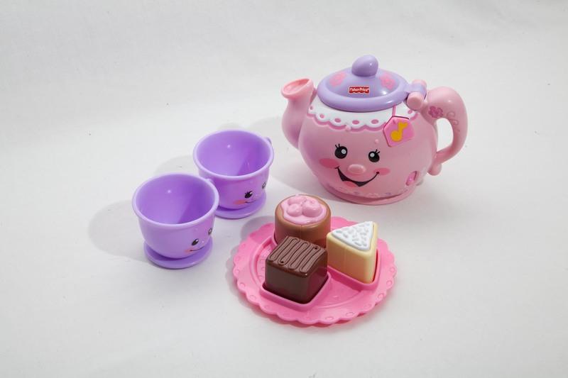 3000: Laugh and Learn Tea Set