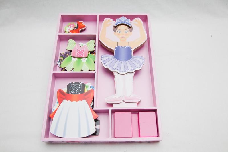 3003: Magnetic Ballerina Dress Up