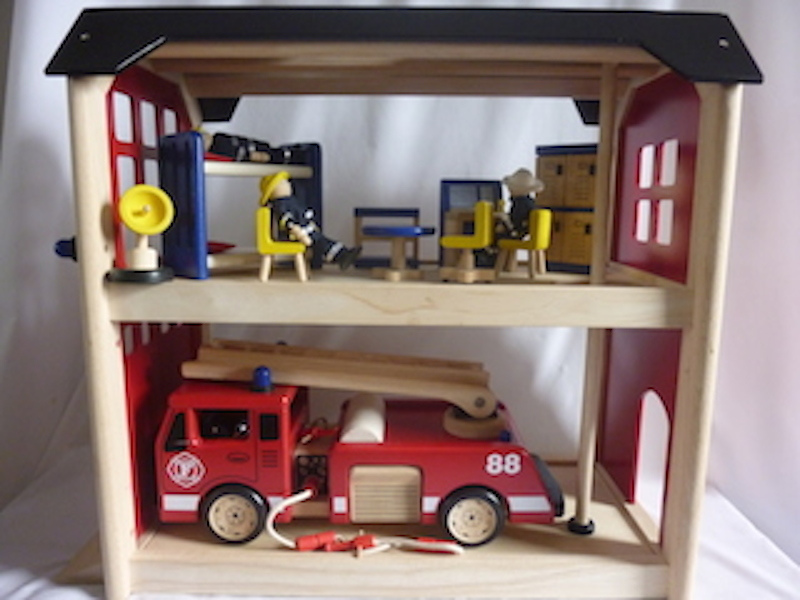4013: Wooden Fire Station